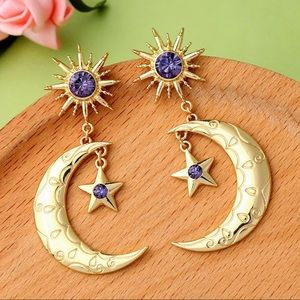 ✨Crescent Moon Boho Gypsy Gold Tone Earrings✨